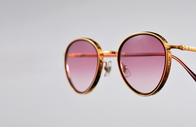Rount-shape-eyewear-golden-Frame